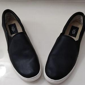 Black UGG Kitlyn slip on shoes sz 8